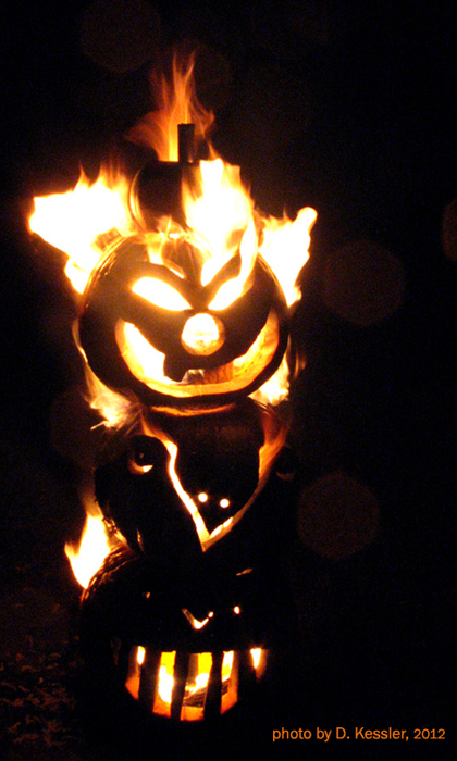 Flaming Pumpkin Totem Pole of Doom, 2012