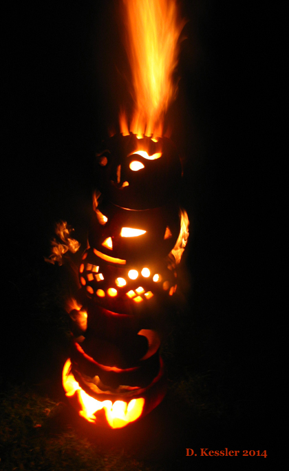 Flaming Pumpkin Totem Pole of Doom, 2014